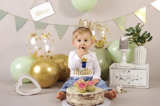 46__Fotografie-Karoart Cake Smash Kleinkind Babyfotografie Neugeborenenfotografie Zürich Wetzikon Winterthur Zug Schwyz Pfäffikon Volketswil