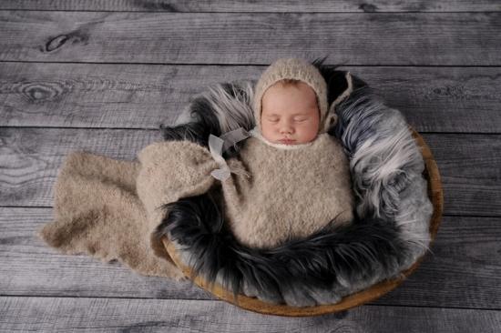 1 Neugeborenenfotografie Newborn Fotografie Karoart Volketswil Zürich Winterthur
