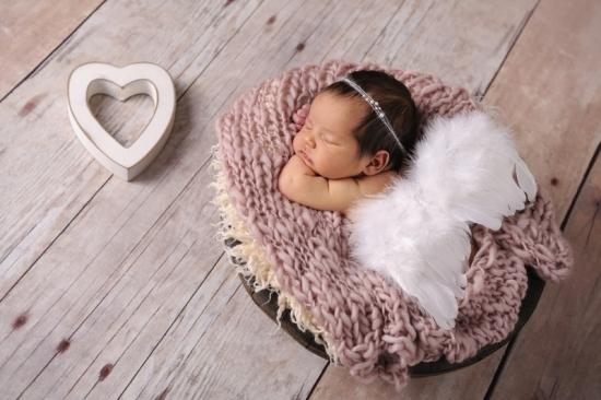 10 Neugeborenenfotografie Newborn Fotografie Karoart Volketswil Zürich Winterthur