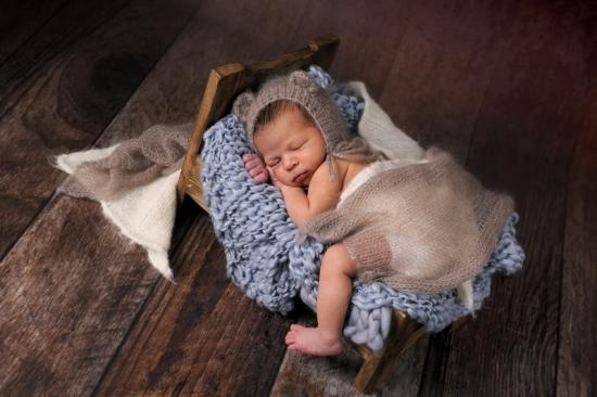 12 Neugeborenenfotografie Newborn Fotografie Karoart Volketswil Zürich Winterthur