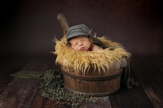 8 Neugeborenenfotografie Newborn Fotografie Karoart Volketswil Zürich Winterthur