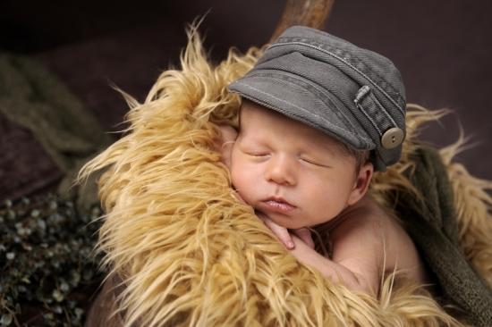9 Neugeborenenfotografie Newborn Fotografie Karoart Volketswil Zürich Winterthur